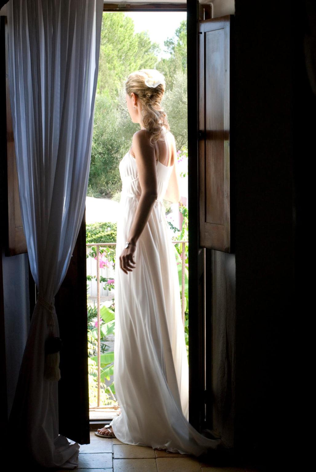 https://www.white-ibiza.com/wp-content/uploads/2020/03/ibiza-wedding-photographer-gypsy-westwood-2020-09-1028x1536.jpg
