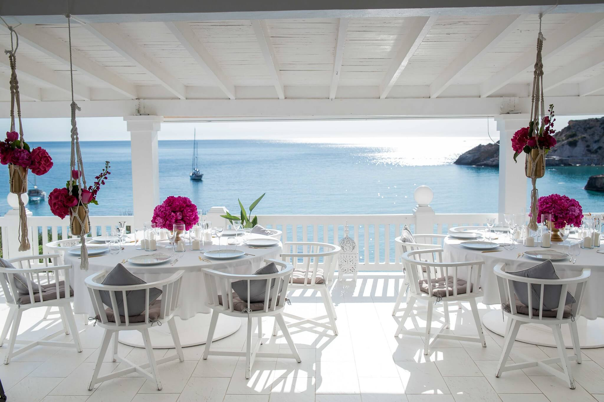 https://www.white-ibiza.com/wp-content/uploads/2020/03/ibiza-wedding-venues-cotton-beach-2020-04.jpg