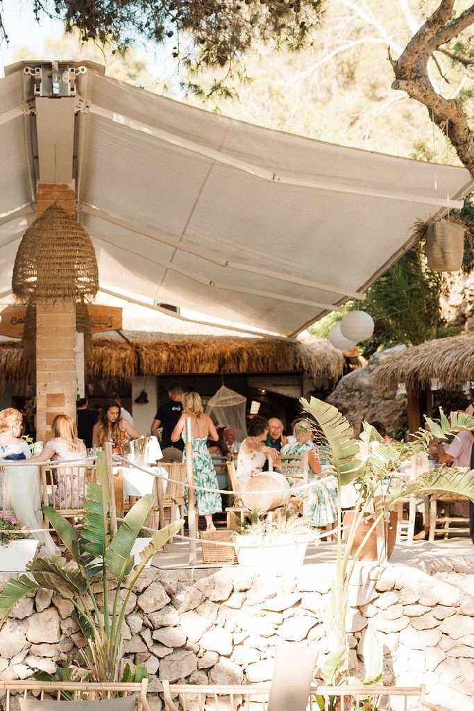 https://www.white-ibiza.com/wp-content/uploads/2020/03/ibiza-weddings-cala-gracioneta-chiringuito-2018-09.jpg