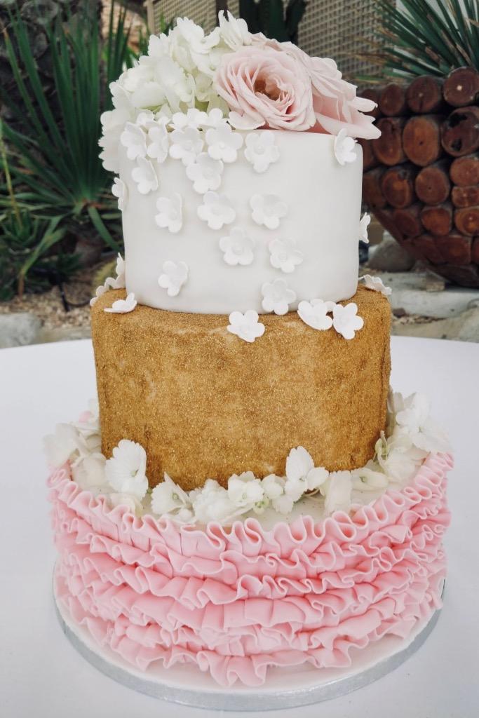 https://www.white-ibiza.com/wp-content/uploads/2020/03/ibiza-weddings-mitch-the-cake-lady-2019-06.jpg