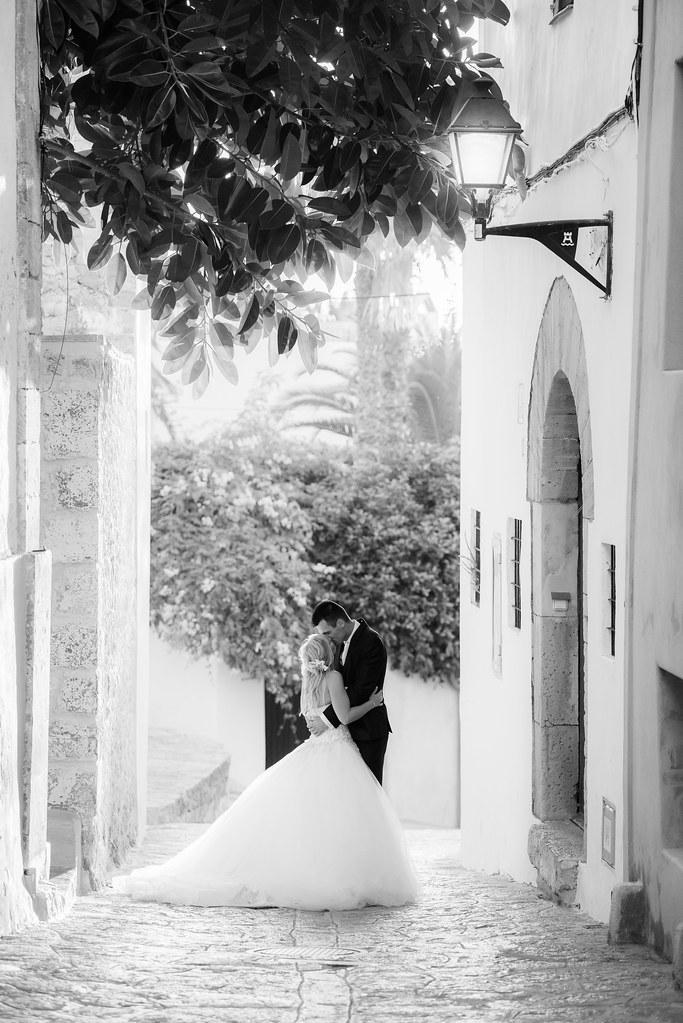 https://www.white-ibiza.com/wp-content/uploads/2020/03/ibiza-weddings-tamas-kooning-lansbergen-2019-04.jpg