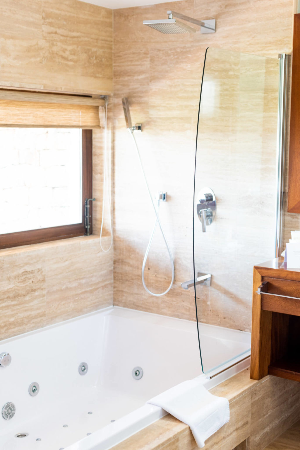 https://www.white-ibiza.com/wp-content/uploads/2020/03/white-ibiza-boutique-hotels-casa-maca-2020-05-1025x1536.jpg
