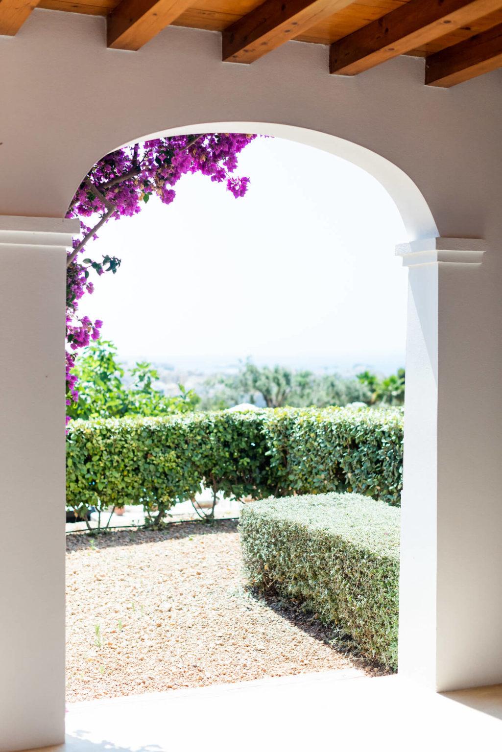 https://www.white-ibiza.com/wp-content/uploads/2020/03/white-ibiza-boutique-hotels-casa-maca-2020-11-1025x1536.jpg