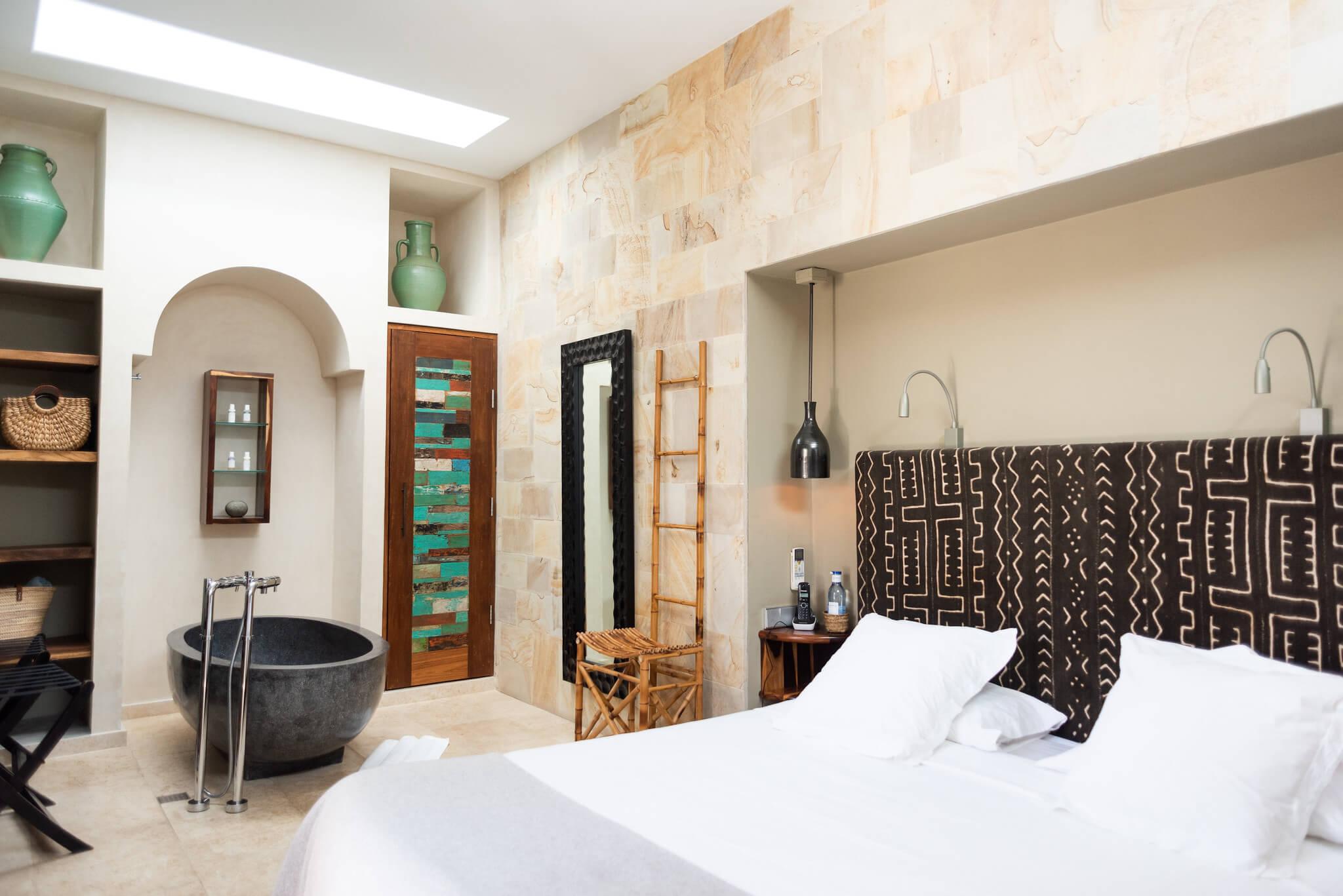 https://www.white-ibiza.com/wp-content/uploads/2020/03/white-ibiza-boutique-hotels-the-giri-residence-2020-01.jpg
