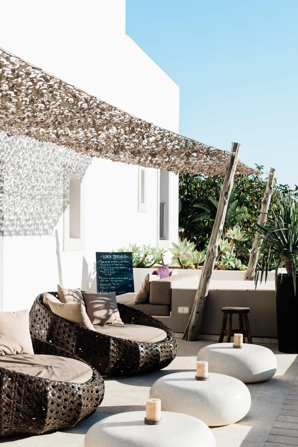 https://www.white-ibiza.com/wp-content/uploads/2020/03/white-ibiza-boutique-hotels-the-giri-residence-2020-02-1025x1536.jpg