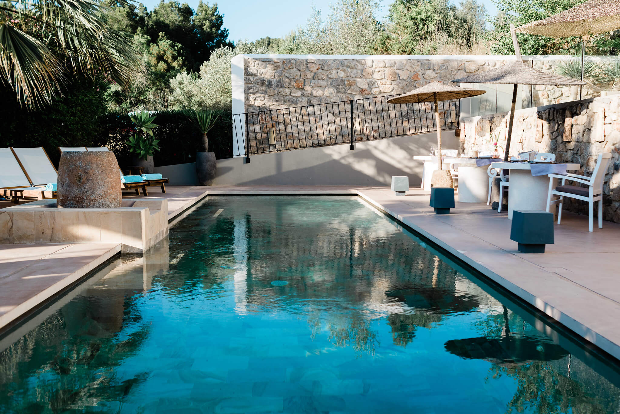 https://www.white-ibiza.com/wp-content/uploads/2020/03/white-ibiza-boutique-hotels-the-giri-residence-2020-04.jpg