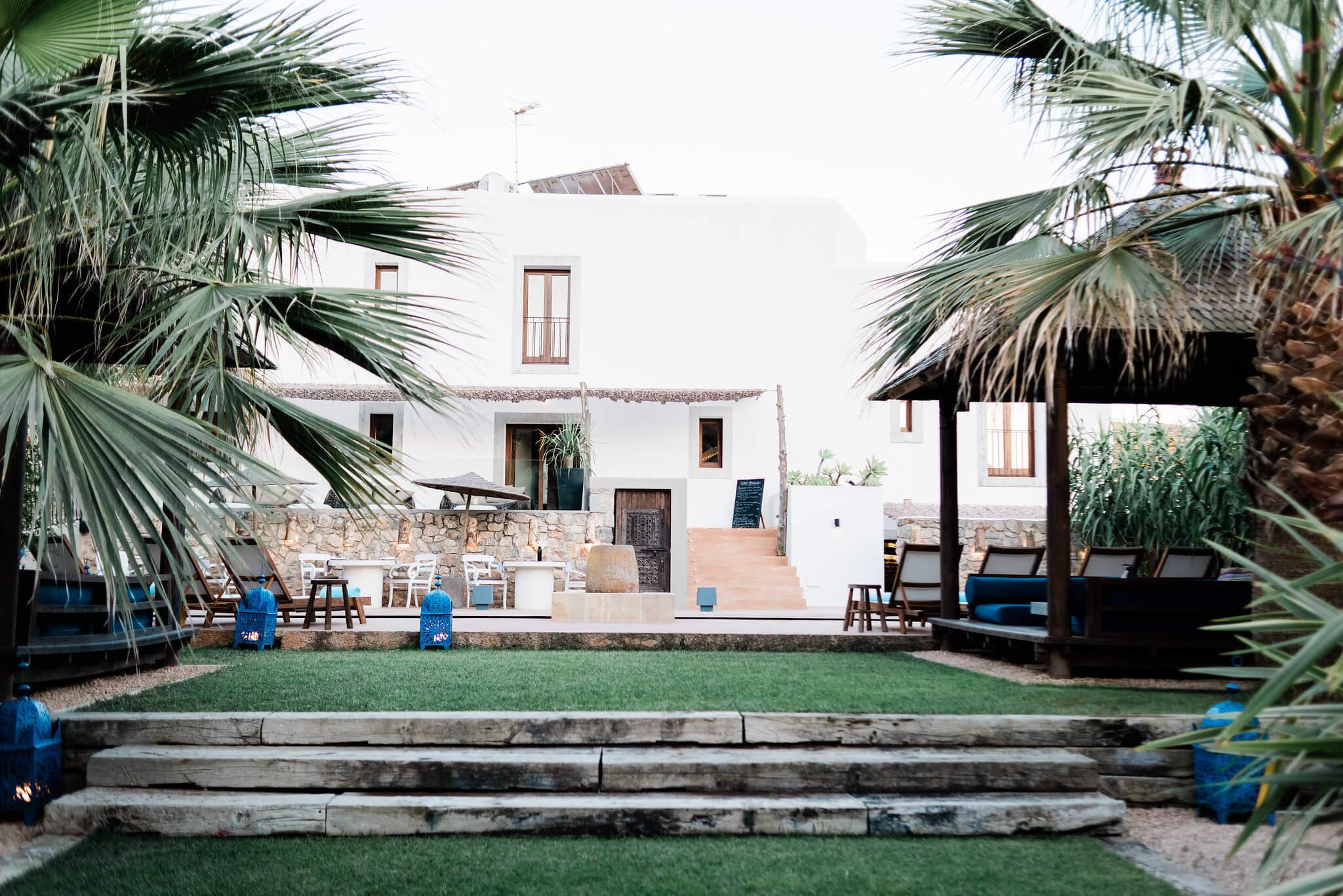 https://www.white-ibiza.com/wp-content/uploads/2020/03/white-ibiza-boutique-hotels-the-giri-residence-2020-09.jpg