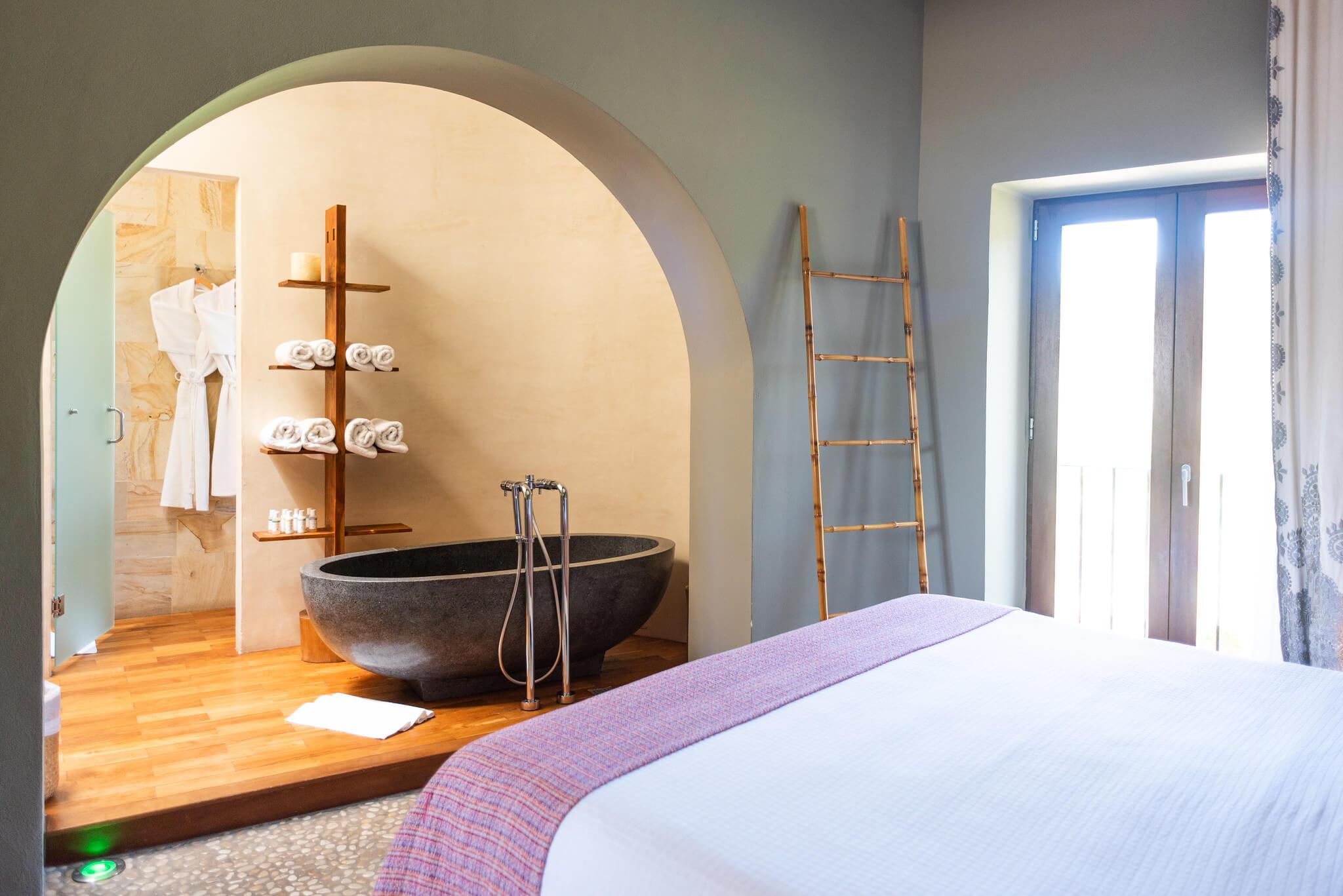 https://www.white-ibiza.com/wp-content/uploads/2020/03/white-ibiza-boutique-hotels-the-giri-residence-2020-13.jpg
