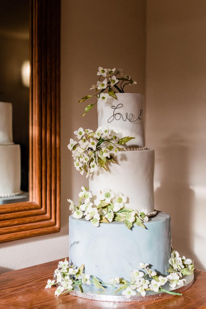 https://www.white-ibiza.com/wp-content/uploads/2020/03/white-ibiza-catering-ibiza-cakes-2020-02.jpg