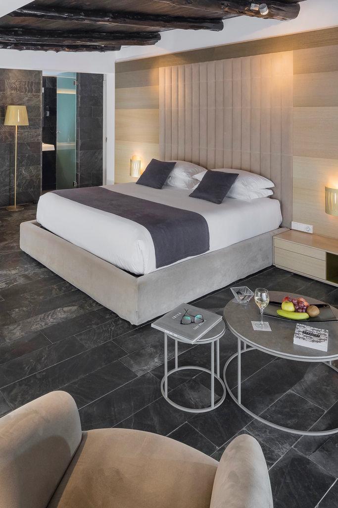 https://www.white-ibiza.com/wp-content/uploads/2020/03/white-ibiza-ibiza-hotels-ses-pitreras-2018-09.jpg