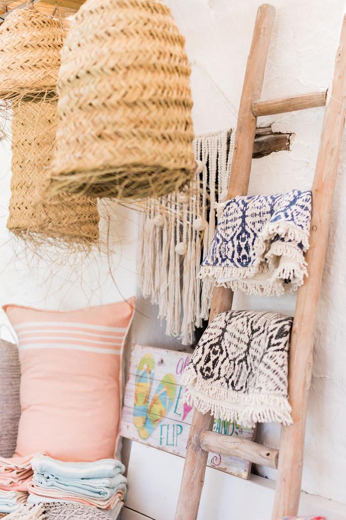https://www.white-ibiza.com/wp-content/uploads/2020/03/white-ibiza-interiors-es-cucons-la-tienda-2020-03.jpg