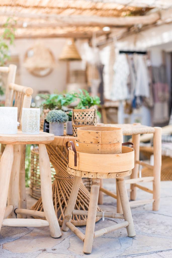 https://www.white-ibiza.com/wp-content/uploads/2020/03/white-ibiza-interiors-es-cucons-la-tienda-2020-04.jpg