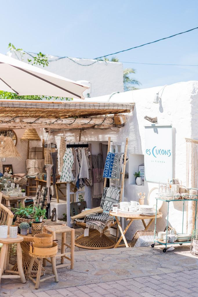 https://www.white-ibiza.com/wp-content/uploads/2020/03/white-ibiza-interiors-es-cucons-la-tienda-2020-07.jpg