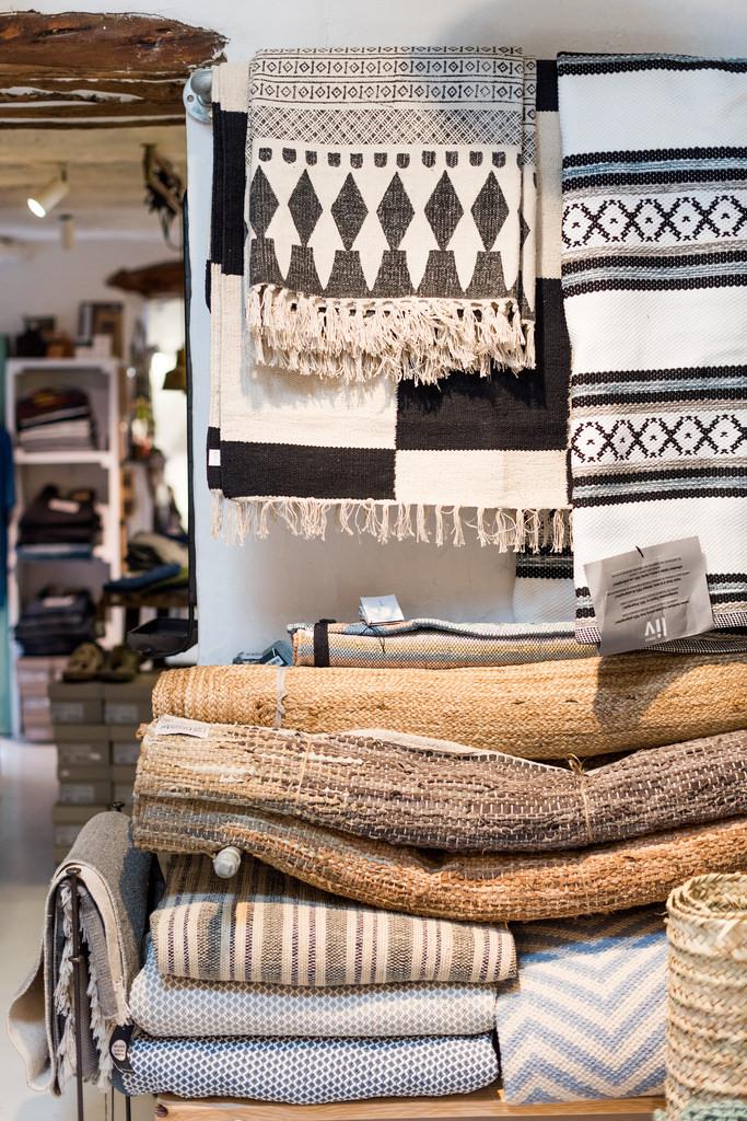 https://www.white-ibiza.com/wp-content/uploads/2020/03/white-ibiza-interiors-es-cucons-la-tienda-2020-12.jpg