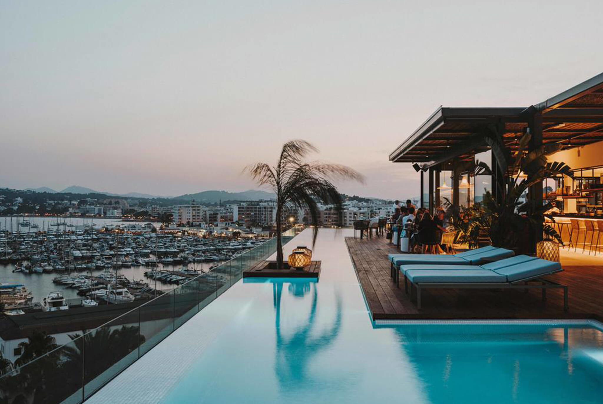https://www.white-ibiza.com/wp-content/uploads/2020/03/white-ibiza-luxury-resorts-aguas-de-ibiza-2020-02.jpg