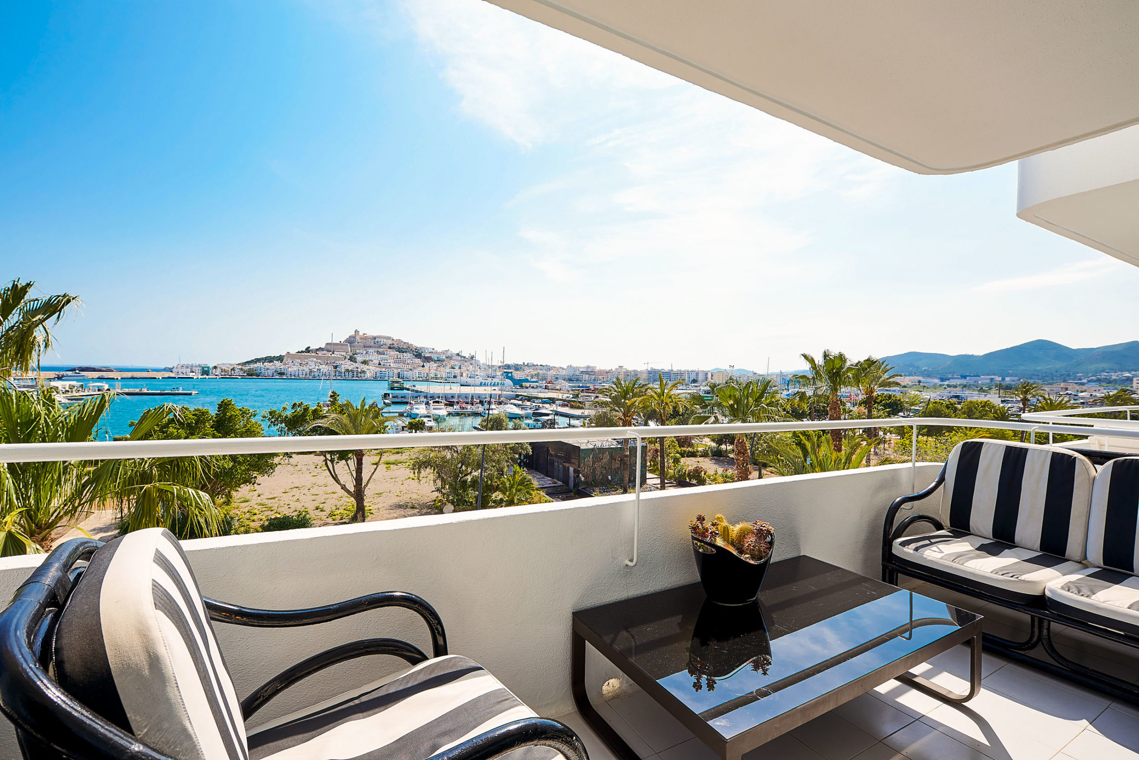 https://www.white-ibiza.com/wp-content/uploads/2020/03/white-ibiza-property-WI110-2020-03-2301x1536.jpg