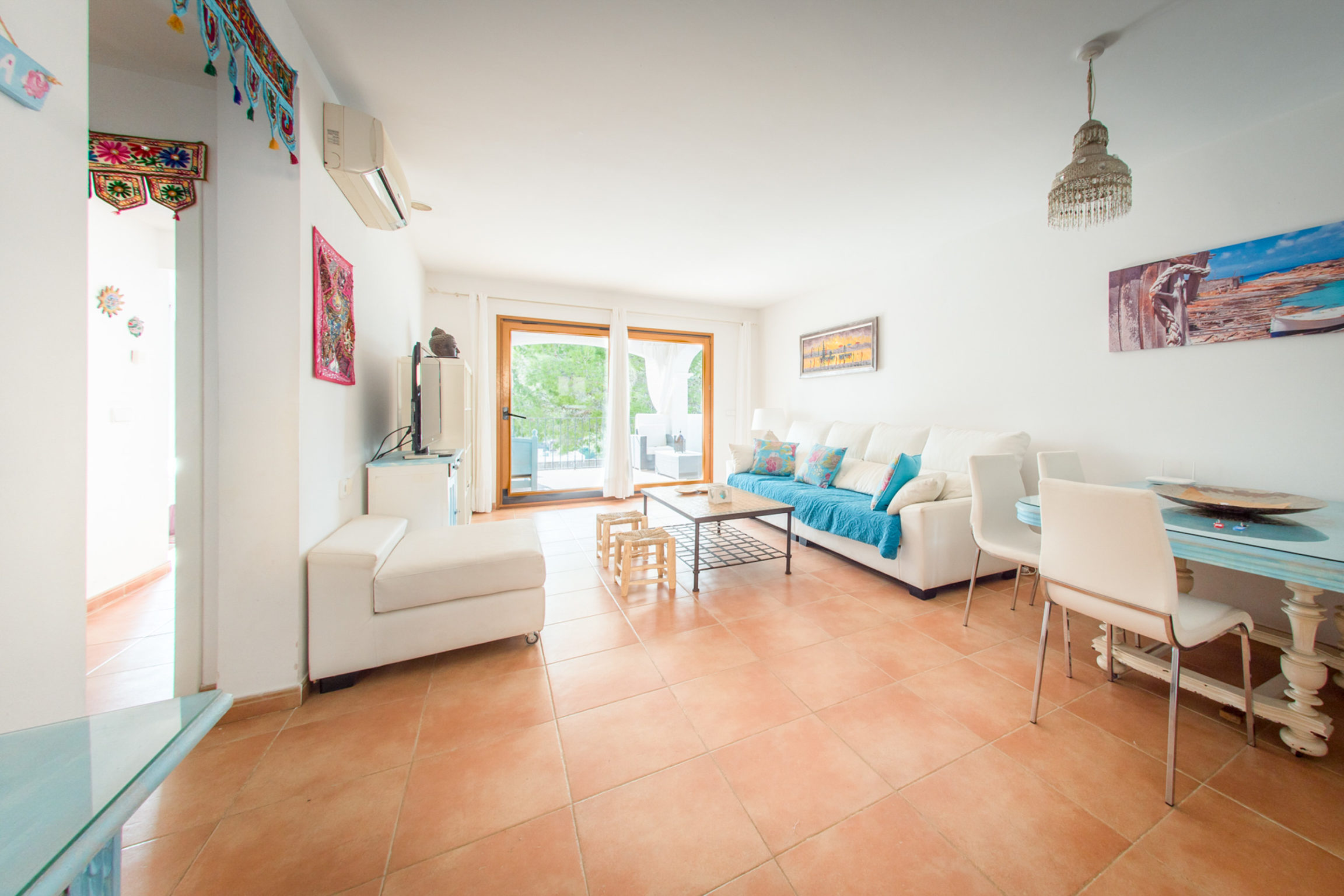https://www.white-ibiza.com/wp-content/uploads/2020/03/white-ibiza-property-WI137-2020-03-2304x1536.jpg