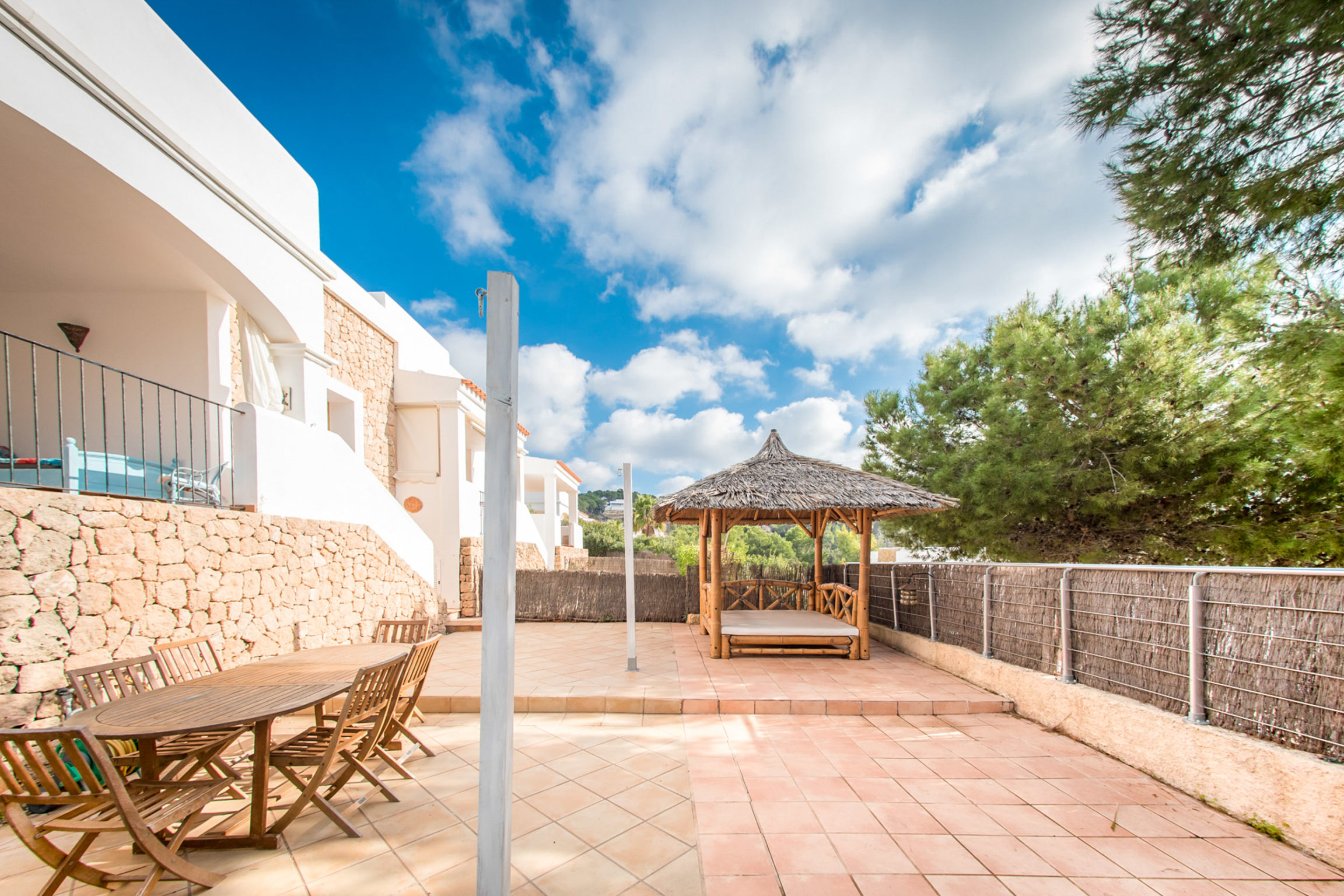 https://www.white-ibiza.com/wp-content/uploads/2020/03/white-ibiza-property-WI137-2020-15-2304x1536.jpg