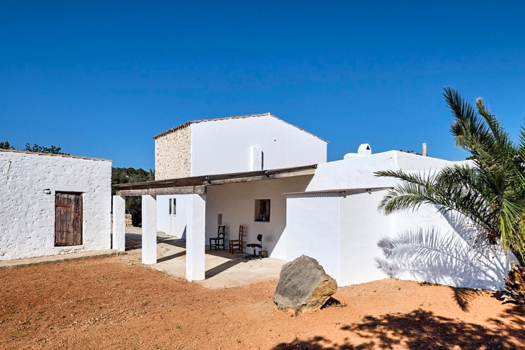 https://www.white-ibiza.com/wp-content/uploads/2020/03/white-ibiza-property-WI162-2020-09.jpg