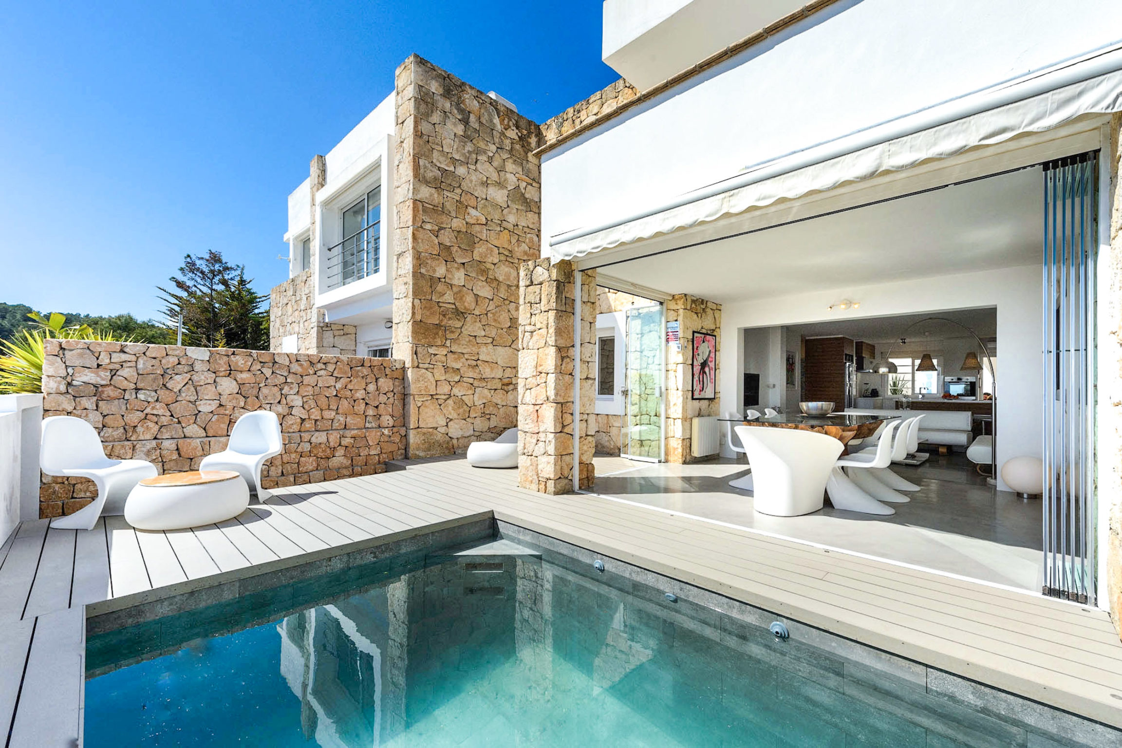 https://www.white-ibiza.com/wp-content/uploads/2020/03/white-ibiza-property-WI181-2020-05-2304x1536.jpg