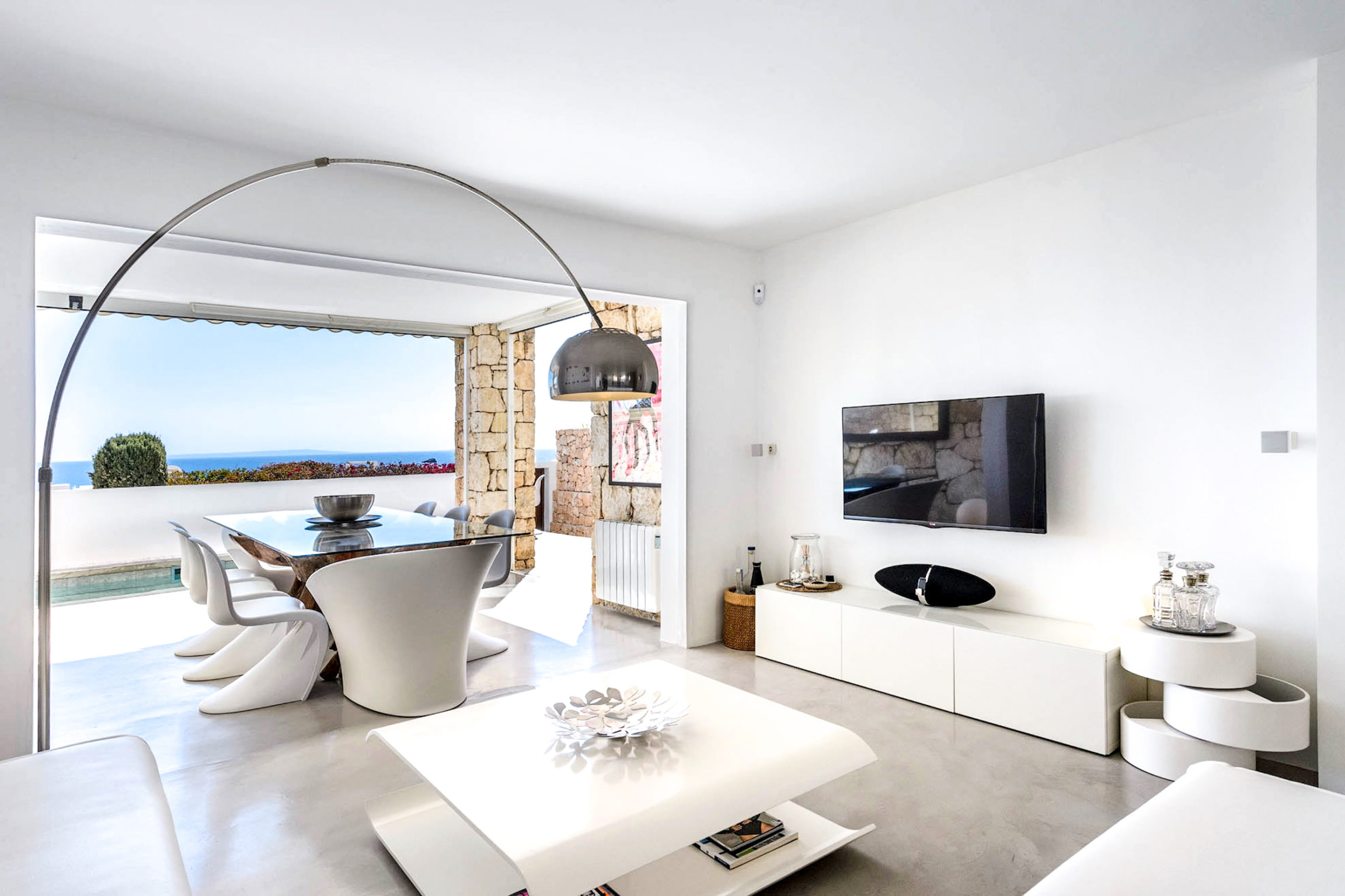 https://www.white-ibiza.com/wp-content/uploads/2020/03/white-ibiza-property-WI181-2020-09-2304x1536.jpg