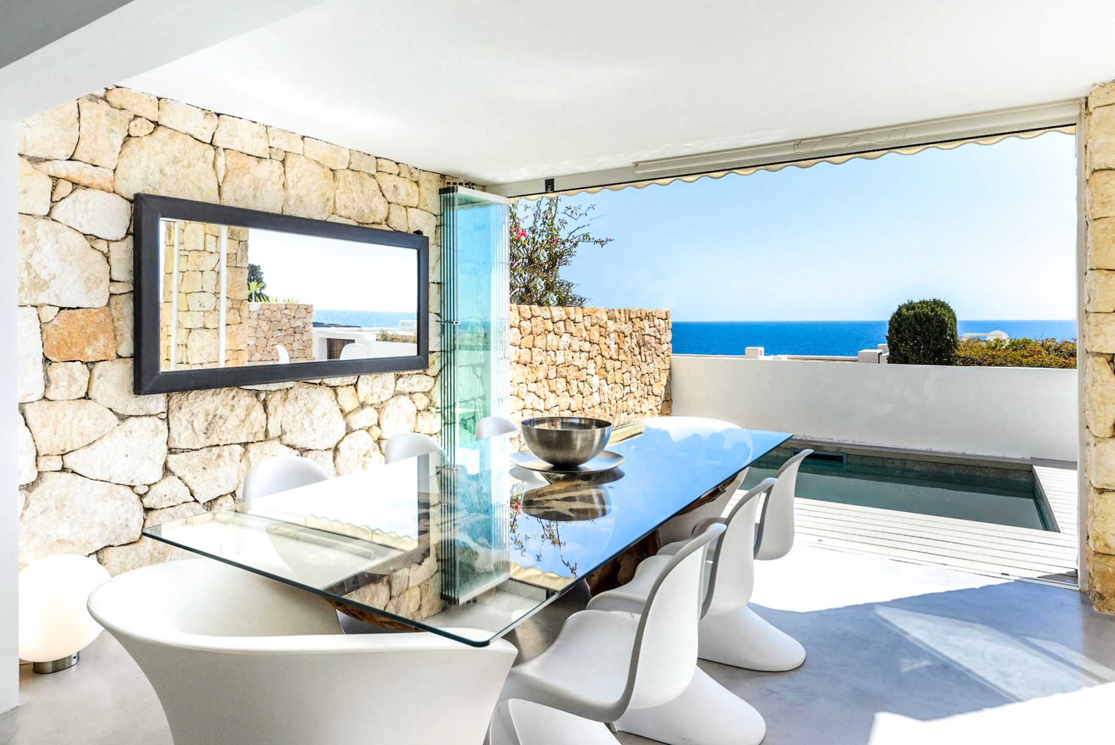 https://www.white-ibiza.com/wp-content/uploads/2020/03/white-ibiza-property-WI181-2020-10-2299x1536.jpg