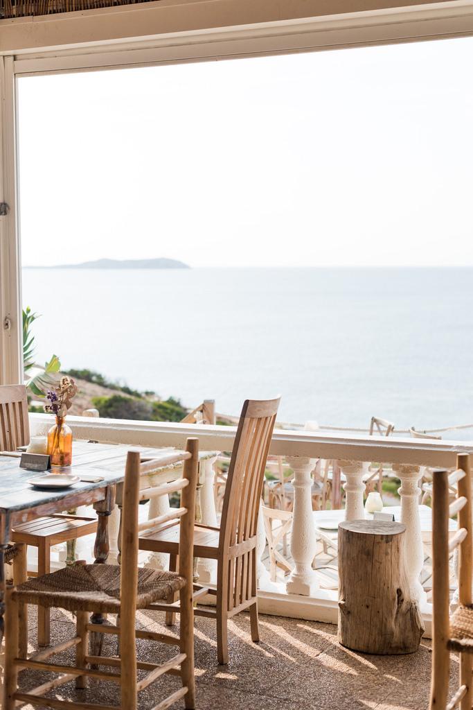 https://www.white-ibiza.com/wp-content/uploads/2020/03/white-ibiza-restaurant-la-torre-2020-04.jpg