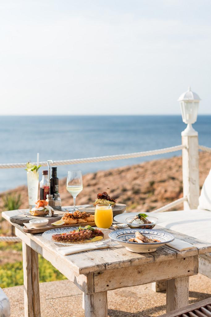 https://www.white-ibiza.com/wp-content/uploads/2020/03/white-ibiza-restaurant-la-torre-2020-07.jpg