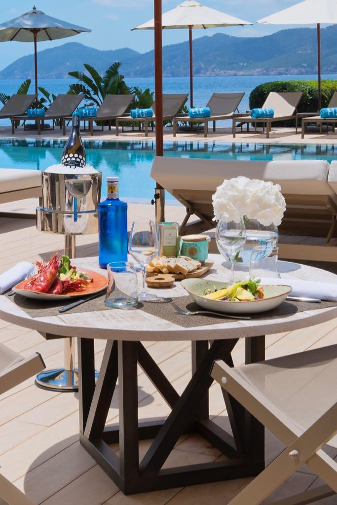 https://www.white-ibiza.com/wp-content/uploads/2020/03/white-ibiza-restaurants-bianco-mare-me-ibiza-2019-02.jpg