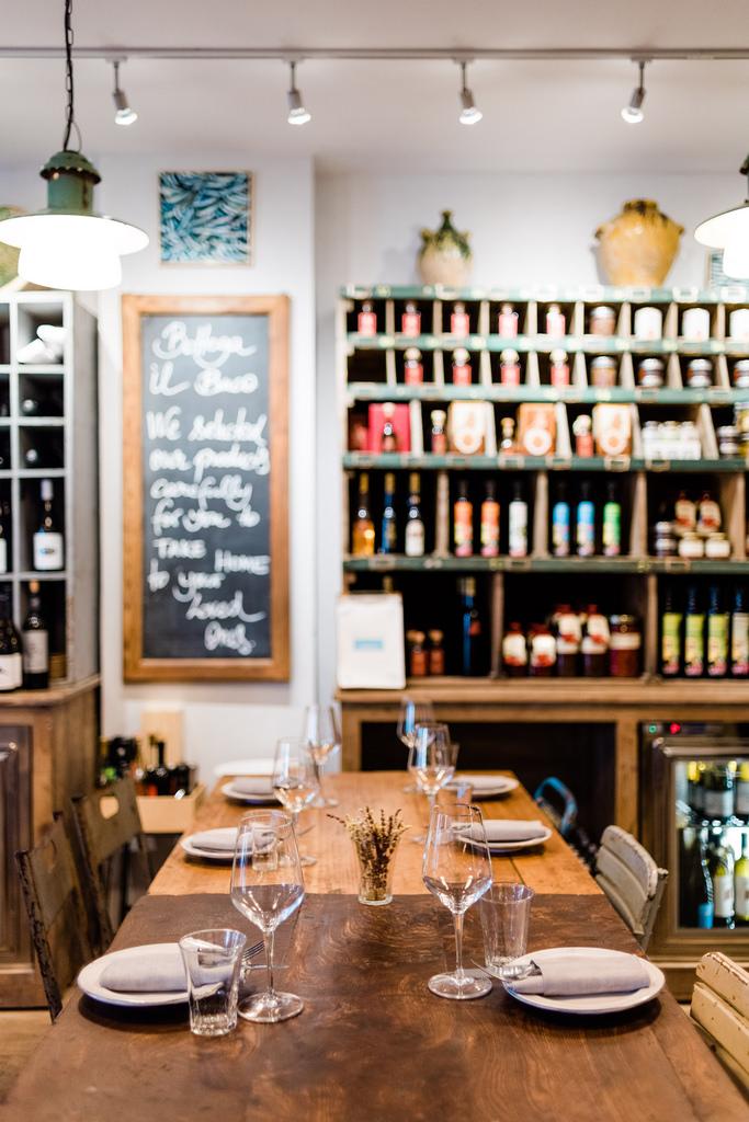 https://www.white-ibiza.com/wp-content/uploads/2020/03/white-ibiza-restaurants-bottega-il-buco-2020-11.jpg