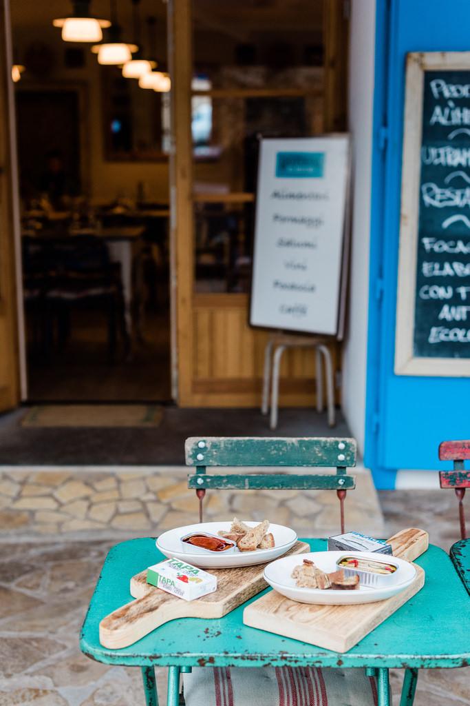 https://www.white-ibiza.com/wp-content/uploads/2020/03/white-ibiza-restaurants-bottega-il-buco-2020-12.jpg