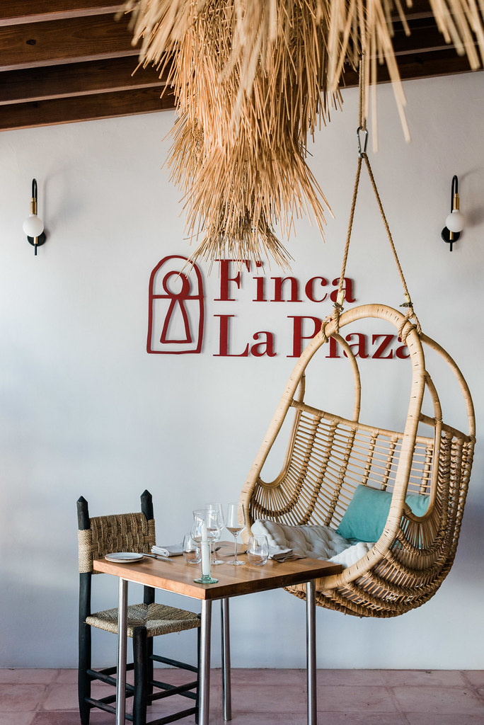 https://www.white-ibiza.com/wp-content/uploads/2020/03/white-ibiza-restaurants-finca-la-plaza-2020-11.jpg