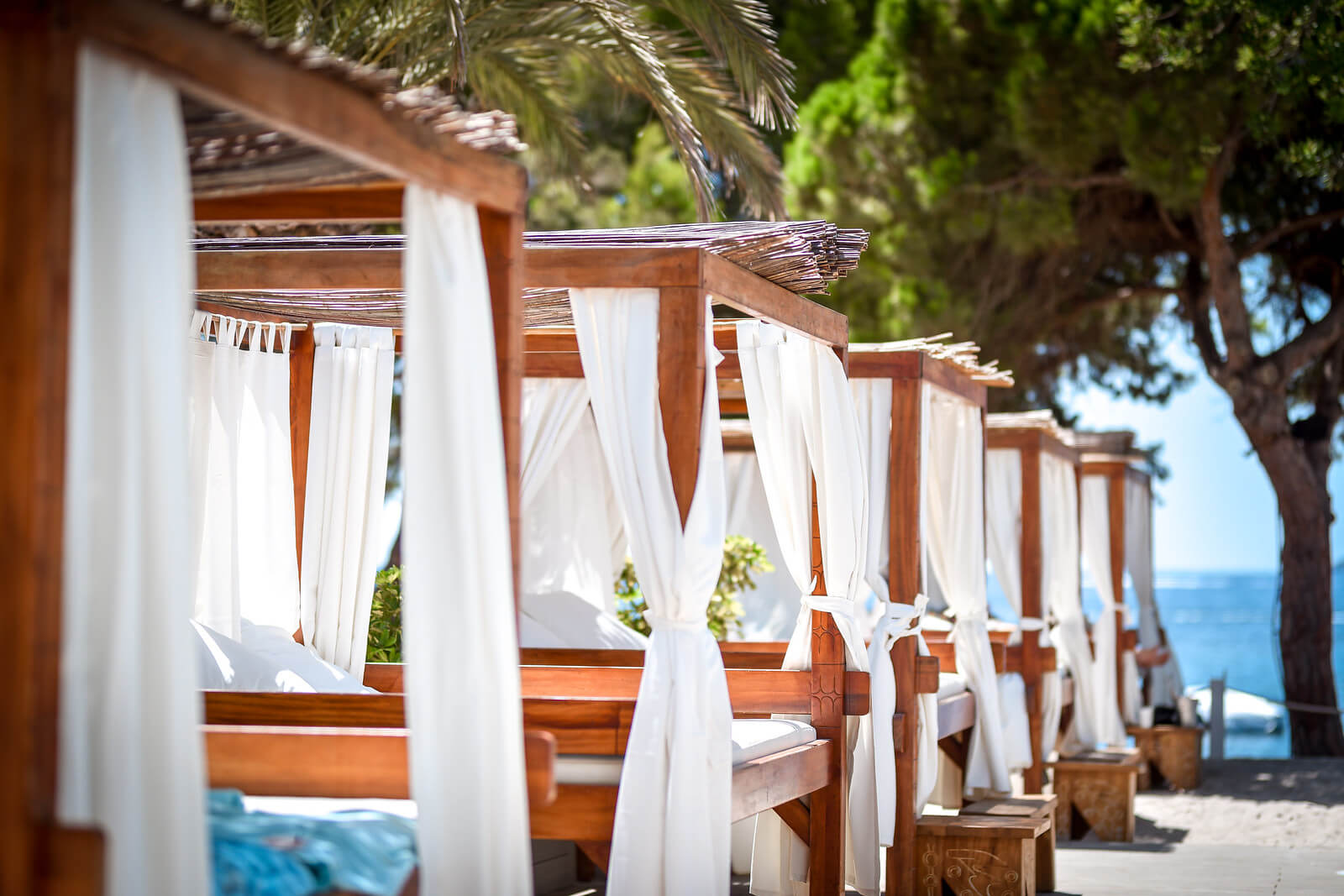 https://www.white-ibiza.com/wp-content/uploads/2020/03/white-ibiza-restaurants-nikki-beach-ibiza-2020-03.jpg