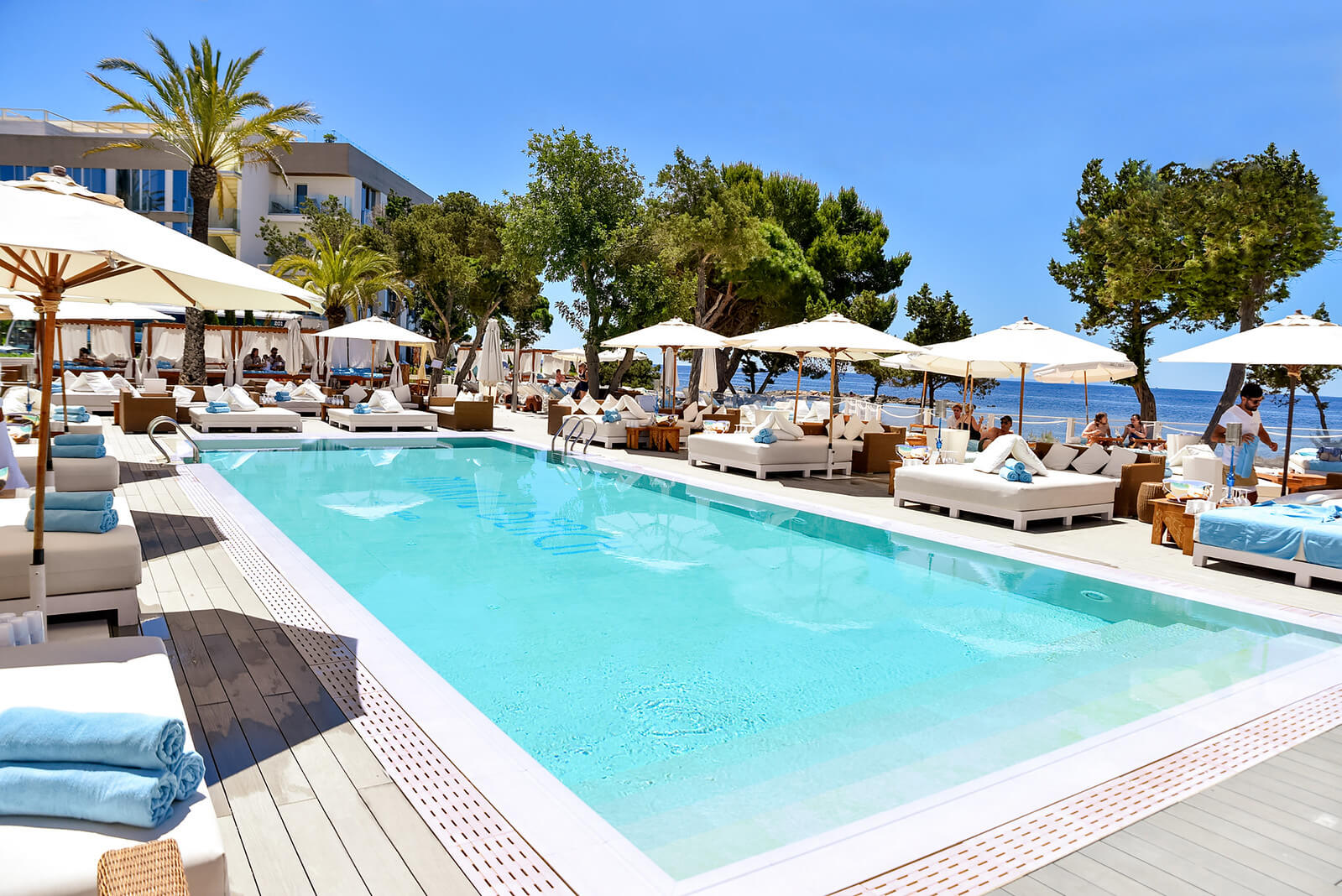https://www.white-ibiza.com/wp-content/uploads/2020/03/white-ibiza-restaurants-nikki-beach-ibiza-2020-05.jpg