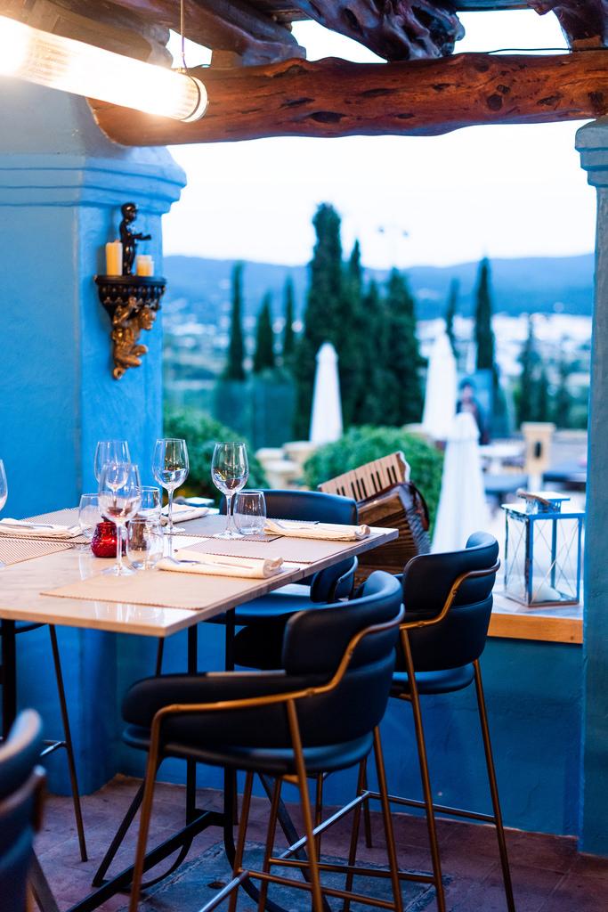 https://www.white-ibiza.com/wp-content/uploads/2020/03/white-ibiza-restaurants-room-39-2020-06.jpg