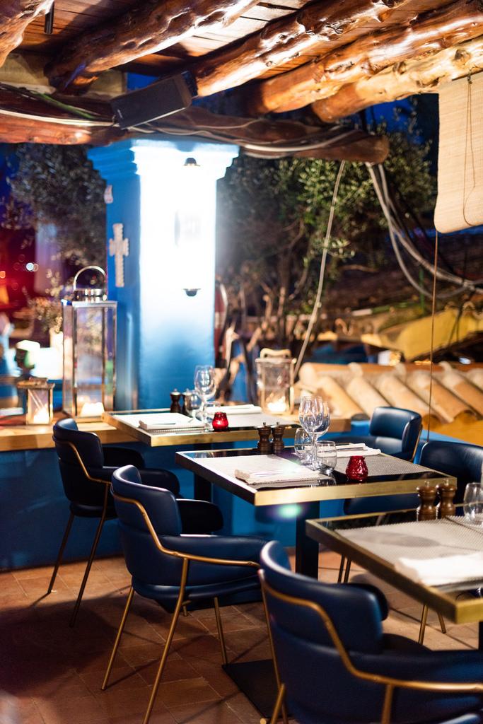 https://www.white-ibiza.com/wp-content/uploads/2020/03/white-ibiza-restaurants-room-39-2020-07.jpg