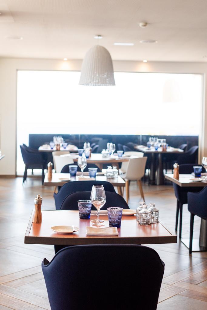 https://www.white-ibiza.com/wp-content/uploads/2020/03/white-ibiza-restaurants-the-giri-view-2020-11.jpg