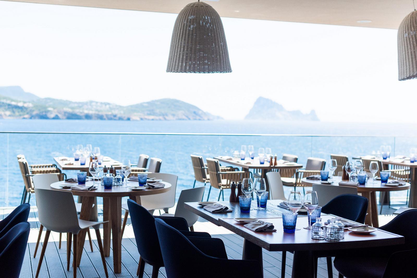 https://www.white-ibiza.com/wp-content/uploads/2020/03/white-ibiza-restaurants-the-view-2020-01.jpg