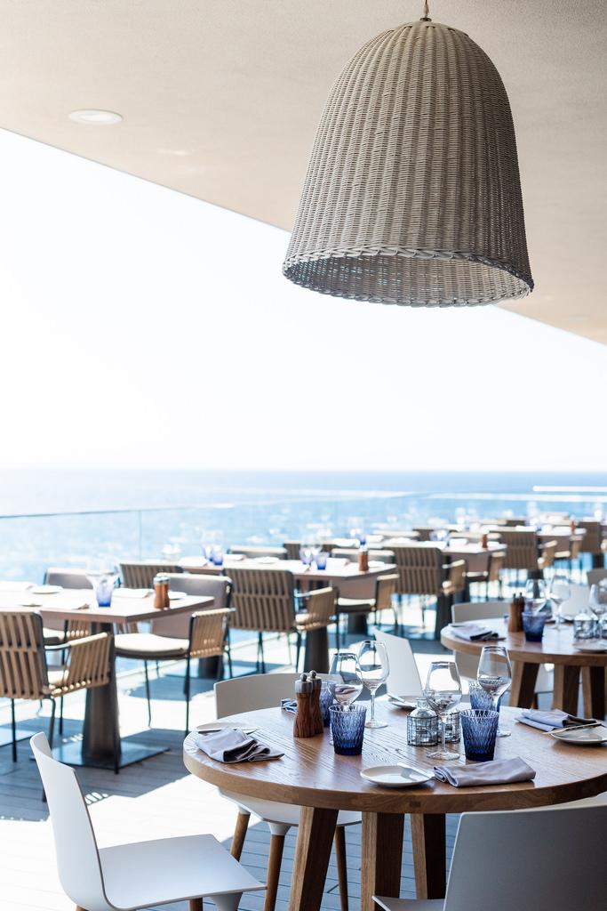 https://www.white-ibiza.com/wp-content/uploads/2020/03/white-ibiza-restaurants-the-view-2020-10.jpg