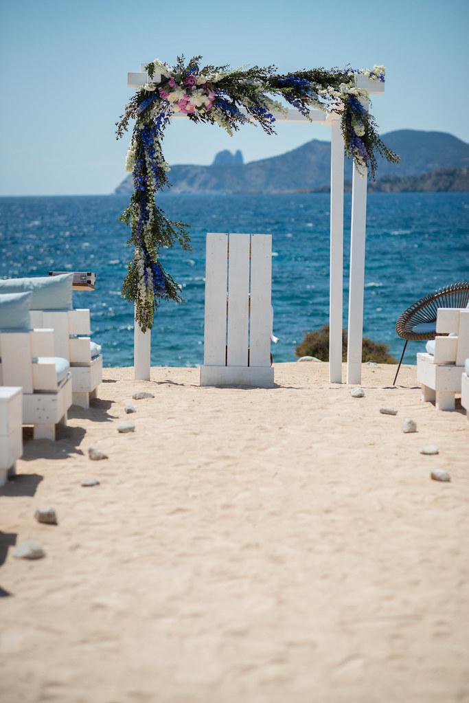 https://www.white-ibiza.com/wp-content/uploads/2020/03/white-ibiza-wedding-experimental-beach-club-2020-10.jpg