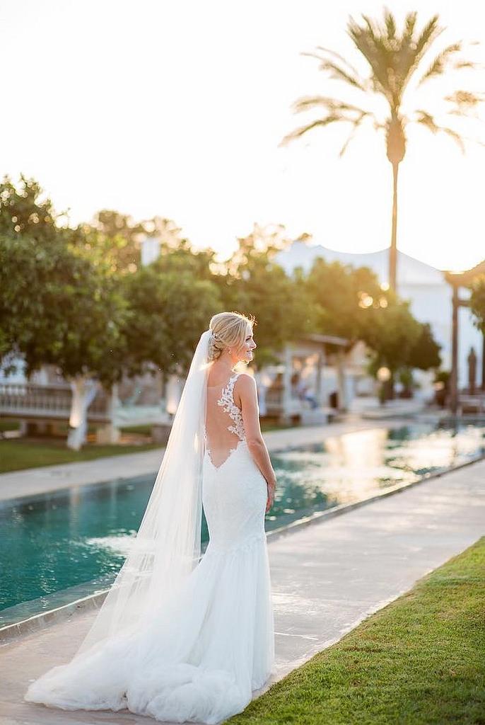 https://www.white-ibiza.com/wp-content/uploads/2020/03/white-ibiza-wedding-venue-atzaro-group-2020-02.jpg