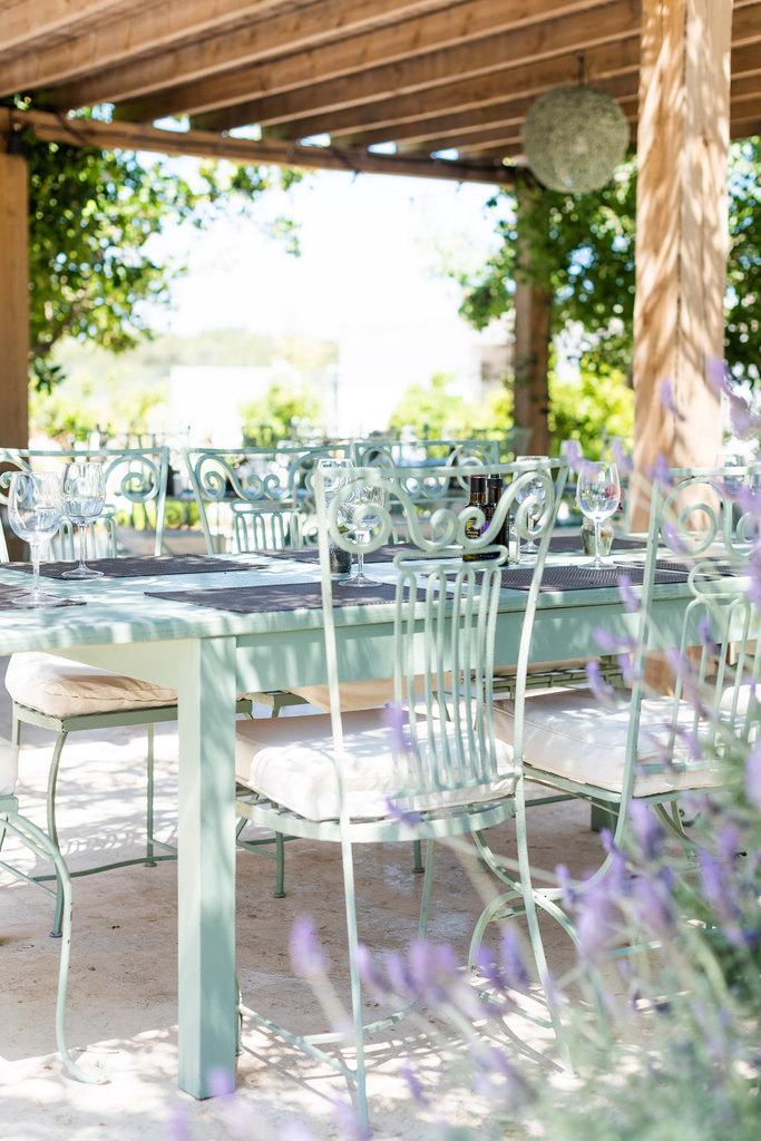 https://www.white-ibiza.com/wp-content/uploads/2020/03/white-ibiza-wedding-venue-atzaro-group-2020-11.jpg