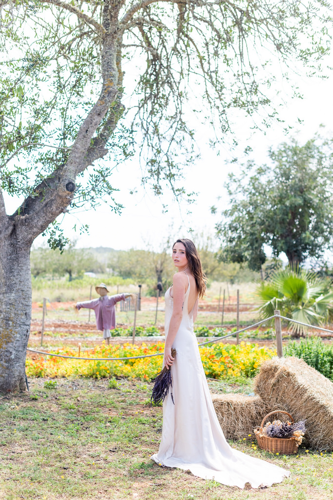 https://www.white-ibiza.com/wp-content/uploads/2020/03/white-ibiza-wedding-venue-atzaro-group-2020-13.jpg