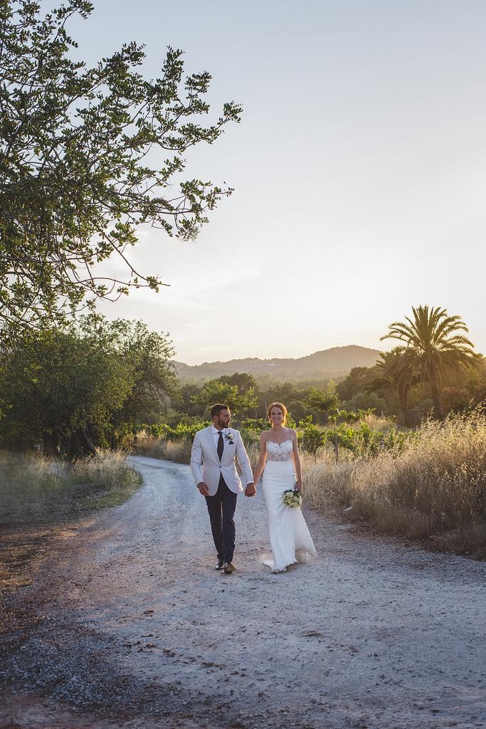 https://www.white-ibiza.com/wp-content/uploads/2020/03/white-ibiza-weddings-marnosuite-photography-2020-07.jpg