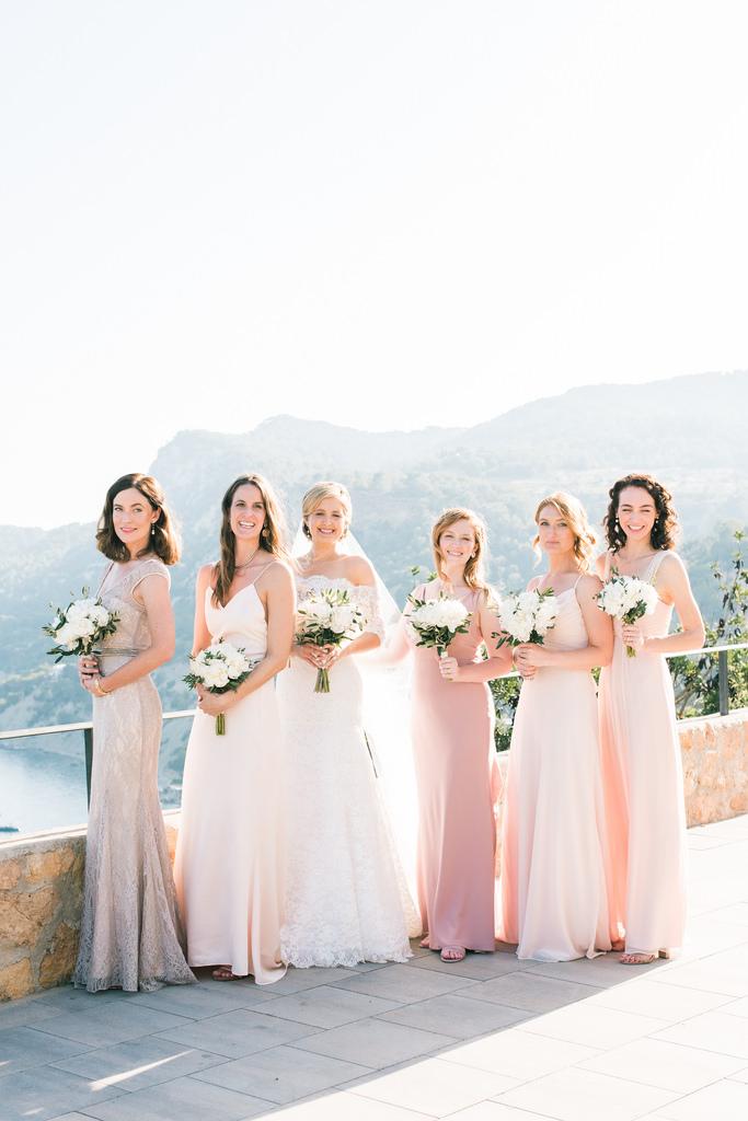 https://www.white-ibiza.com/wp-content/uploads/2020/03/white-ibiza-weddings-studio-by-ana-lui-photography-2020-04.jpg