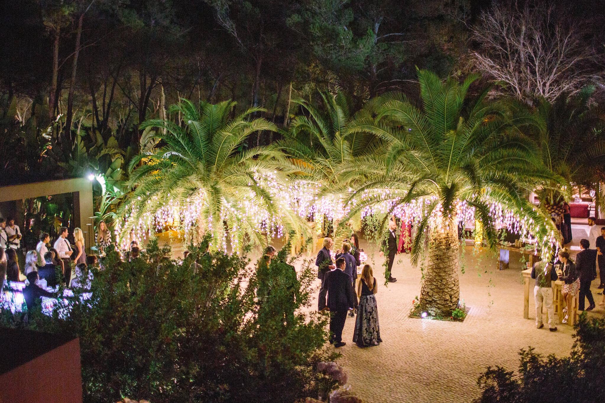 https://www.white-ibiza.com/wp-content/uploads/2020/03/white-ibiza-weddings-velvet-circus-ibiza-2020-09.jpg