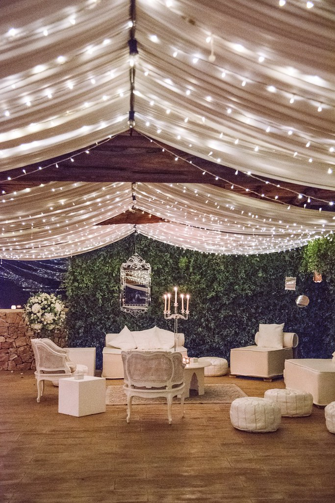 https://www.white-ibiza.com/wp-content/uploads/2020/03/white-ibiza-weddings-velvet-circus-ibiza-2020-11.jpg