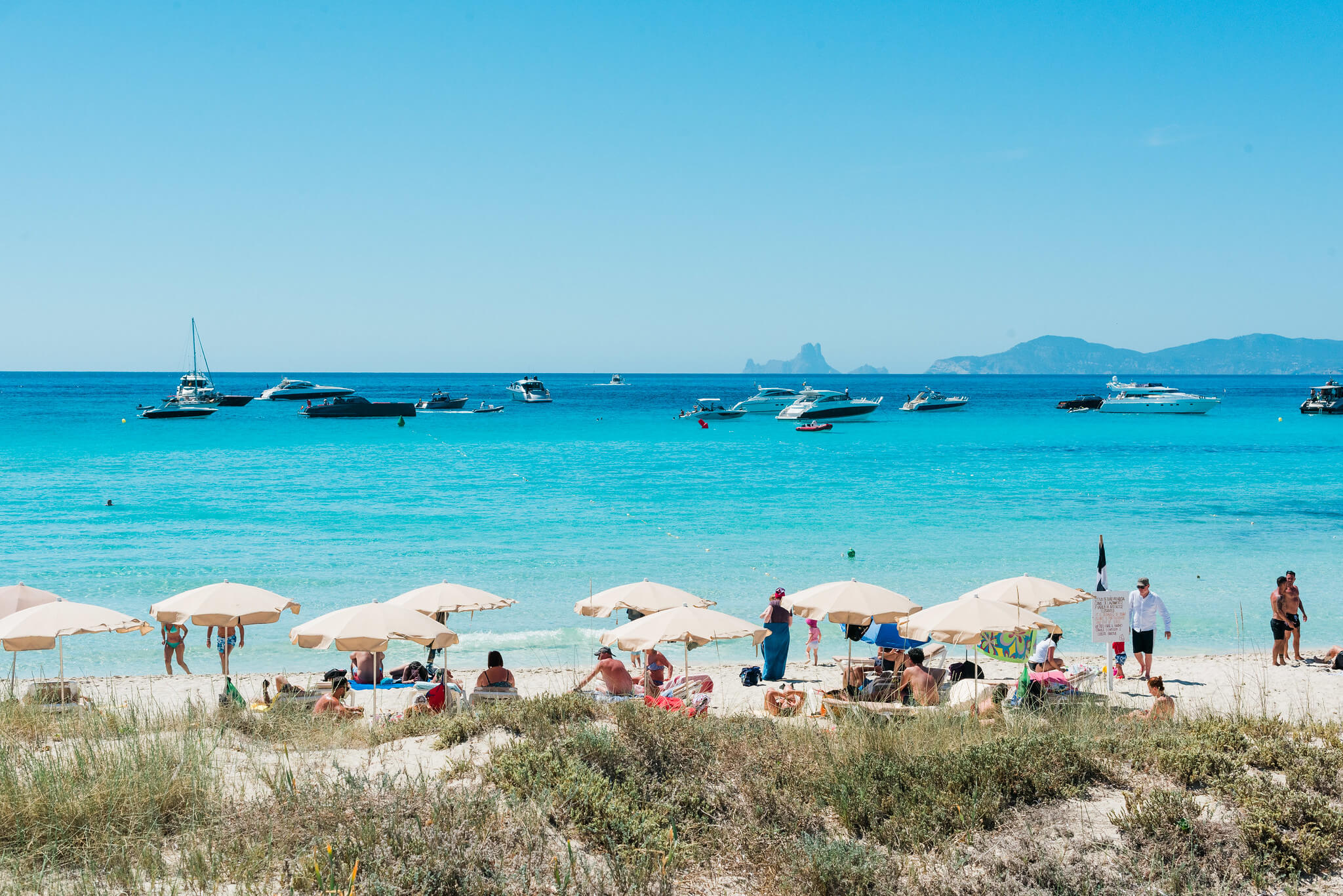 https://www.white-ibiza.com/wp-content/uploads/2020/04/formentera-beaches-illetes-2020-02.jpg