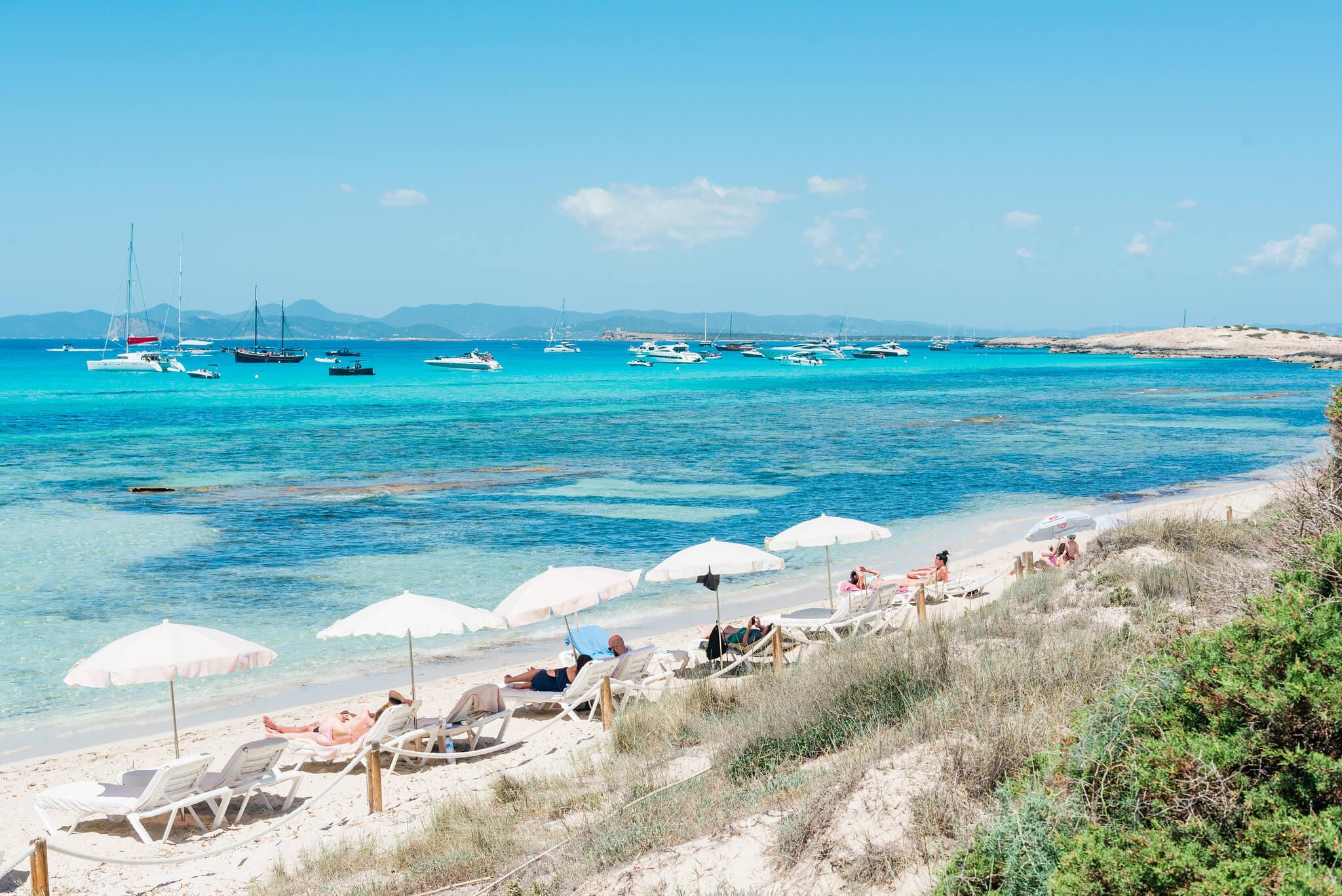 https://www.white-ibiza.com/wp-content/uploads/2020/04/formentera-beaches-illetes-2020-04.jpg