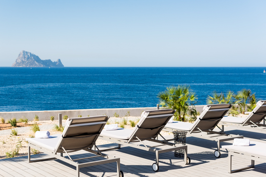 Luxury solo retreats